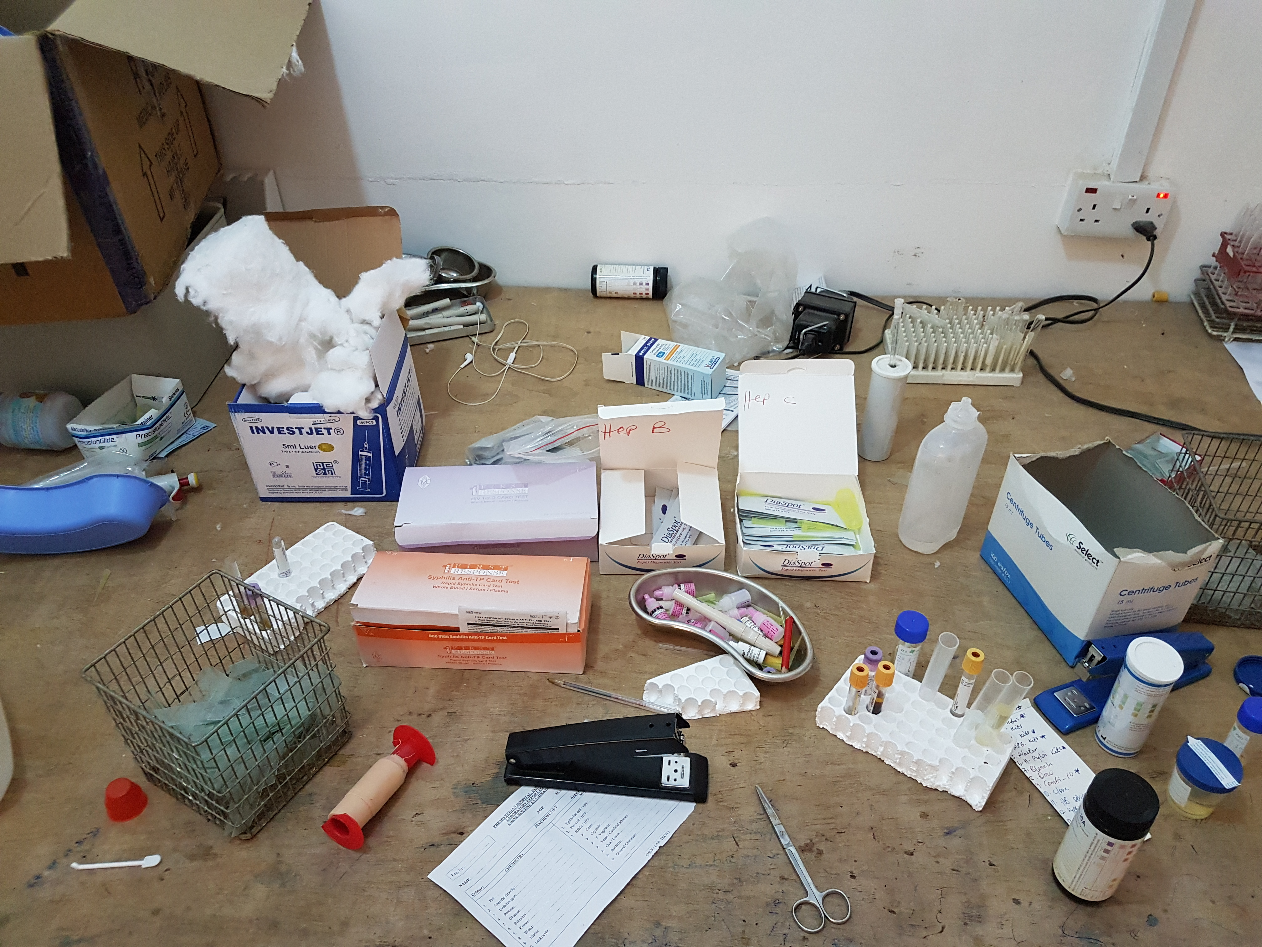 Diagnostical table in the laboratory